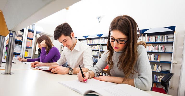 imagen-alumnos-estudiando